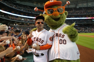 Altuve and Orbit rock the Astros shades