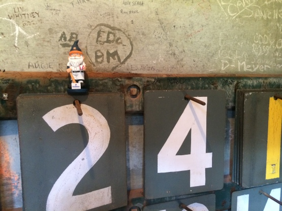 #AstrosGnome hanging out on the scoreboard