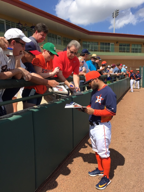 Jose Altuve signed autographs before the game